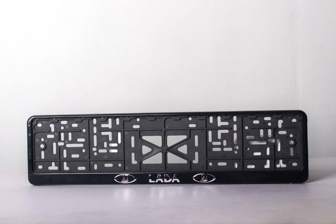 Рамка под номер пластиковая Lada