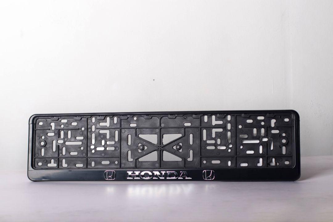 Рамка под номер пластиковая Honda