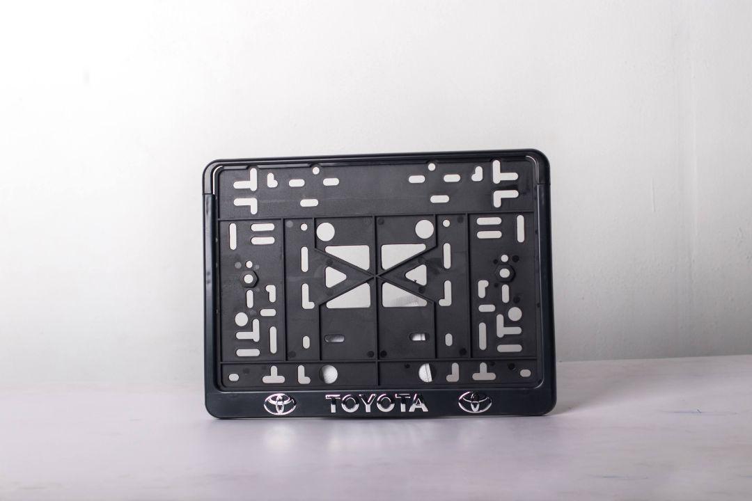 Рамка с защелкой квадратная Toyota